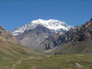 maior montanha do continente americano, com quase sete mil metros de altura.